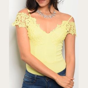Tops - YELLOW LACE FLORALS DETAILS BODYSUIT